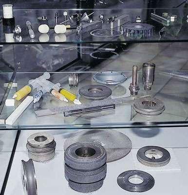 Produits Adamax France en diamant pour l'usinage. © DR