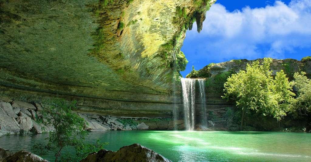 L'eau peut-elle devenir une arme de guerre dans le monde ? Ici, le Hamilton Pool Preserve, un bassin naturel situé près d'Austin, au Texas. © Dave Wilson CC by-nc 2.0
