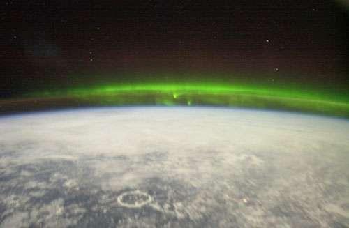 Des aurores au-dessus du Canada, photographiées depuis la Station Spatiale Internationale, à une altitude d'approximativement 400 km. © ESA