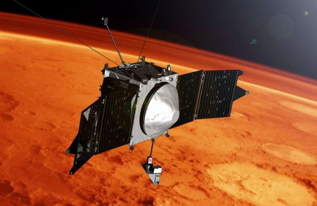 Pour obtenir ces données, la sonde Maven réalise des plongées dans l'atmosphère jusqu'à environ 120 kilomètres de la surface de façon à effectuer des mesures sur la totalité de la haute atmosphère martienne, dont la densité varie d'un facteur 10 entre 120 km et 150 km d'altitude. Cette stratégie d'acquisition est tout de même risquée pour le satellite. La décélération importante peut en effet causer des problèmes sur les servitudes ou les instruments. C'est pourquoi seulement cinq plongées ont été réalisées à ce jour. © Nasa