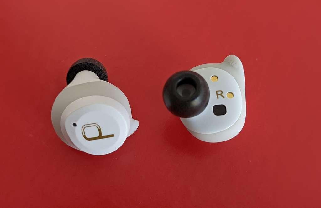 Le design des écouteurs Divacore AntiPods 2 est abouti. Le choix d'embouts en mousse à mémoire de forme est très judicieux. © Marc Zaffagni