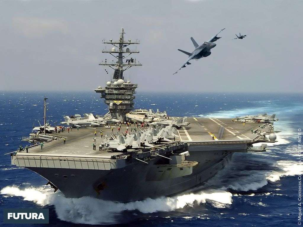 Porte-avions USS Dwight D. Eisenhower