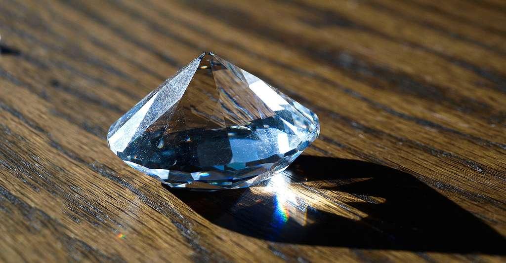 Ce diamant est-il un vrai ou un synthétique ? © Roman Köhler, DP