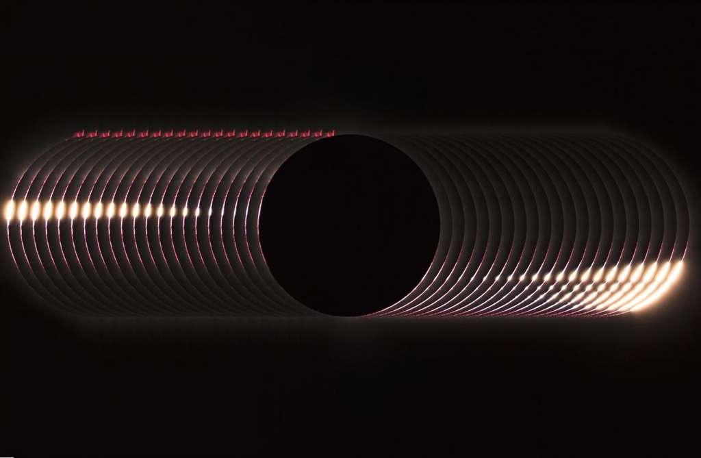 Grains de Bailly lors d'une éclipse totale de Soleil