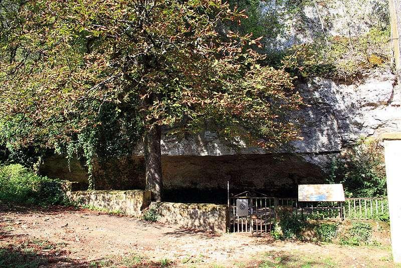 Plusieurs squelettes de Cro-Magnon ont été retrouvés dans le site préhistorique de l'abri de Cro-Magnon, témoin de l'histoire de l'Aquitaine. © 120, Wikipédia CC by sa 3.0