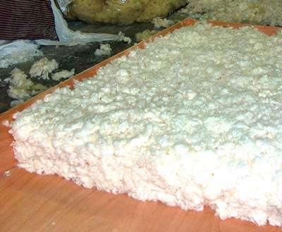 Mise en forme de la laine de coton. © DR
