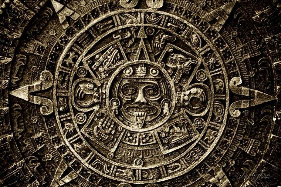 Le calendrier maya se composait d'un calendrier sacré appelé Tzolk'in (ou Bucxok), de 260 jours, d'un calendrier solaire dénommé Haab, de 365 jours, et du compte long qui servait de lien entre les 2 précédents calendriers. © Kim-bodia, Flickr, CC BY 2.0