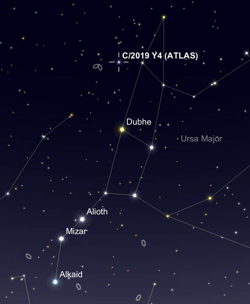 La comète Atlas pointait le bout de son nez près du museau de la Grande Ourse le 17 mars. © SkySafari