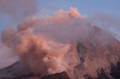 Le volcan Merapi gronde plus que jamais (Courtesy of Reuters)