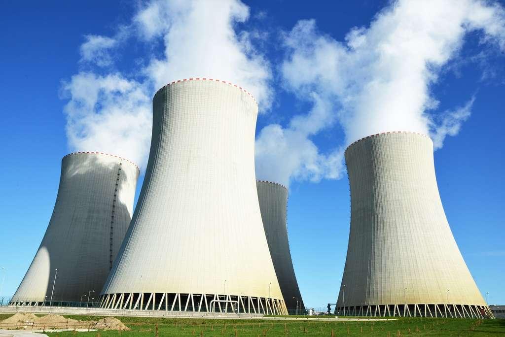 En 2015, l'Union européenne a lancé le projet Samofar (Safety Assessment of the Molten Salt Fast Reactor), qui vise à démontrer les bénéfices des réacteurs à sels fondus. L'initiative est supervisée par l'université de technologie de Delft (Pays-Bas), qui chapeaute plusieurs laboratoires et entreprises, dont le CNRS, l'IRSN, le CEA, AREVA et EDF. Le consortium compte fabriquer un prototype à l'horizon 2020. © Nixki, Fotolia