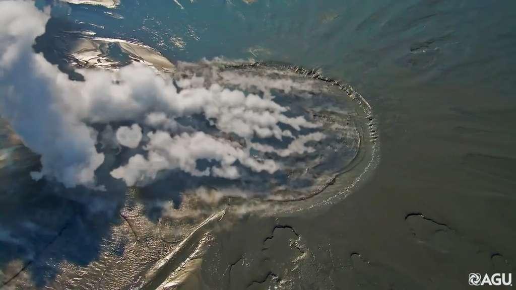 Le volcan Lusi en Indonésie vomit des dizaines de milliers de tonnes de boue chaque jour. © AGU, YouTube