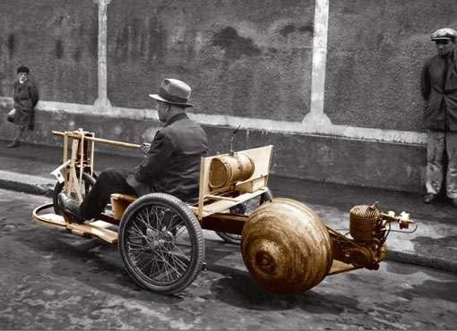 Automobile légère (novembre 1937). © CNRS Photothèque / Fonds historique