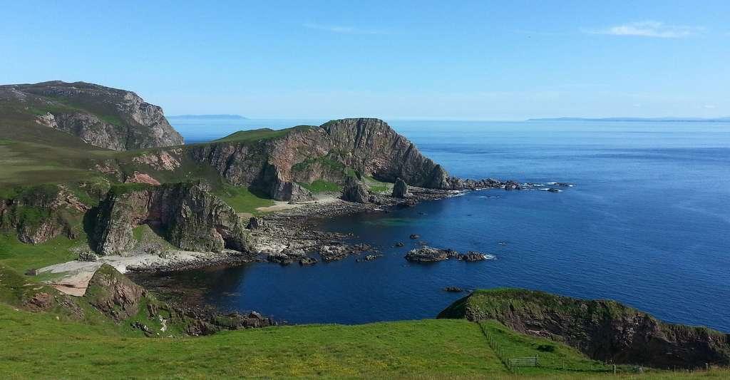 Quel livre pour en savoir plus sur la géologie ? Ici, paysage du nord de l'Écosse. © Fixers Andy, Pixabay, DP