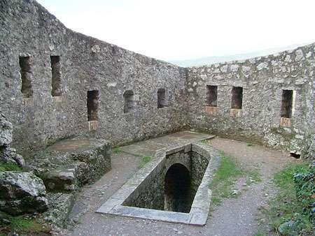 Citadelle de Sisteron, vue intérieure. © Régis Martel, Wikipedia GNU, Free Documentation License, Version 1.2