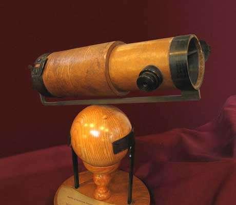Réplique du téléscope de Newton 1672
