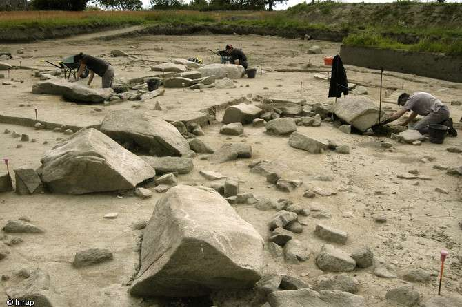 Menhirs brisés de Kerduellan à Belz