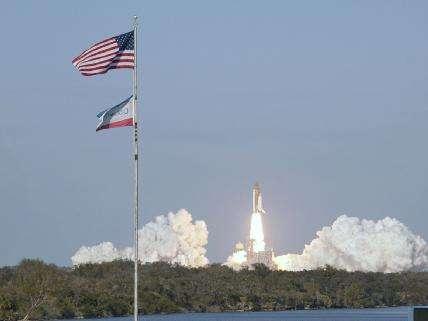 24 février 2011 à 4 h 50 en heure de Floride, la navette Discovery décolle pour la dernière fois... © Nasa/Troy Cryder