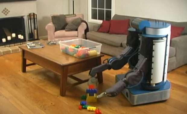 Prototype de robot de service PR1 mis en scène dans un environnement humain. © Courtesy of Eric Berger, Willow Garage