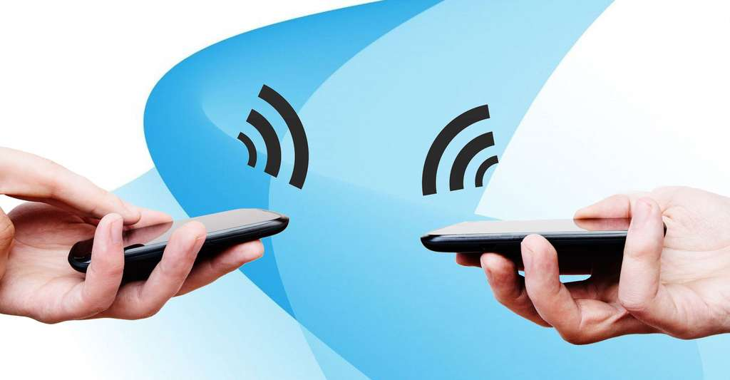 Téléphones avec puce RFID. © Piotr Adamowicz, Shutterstock