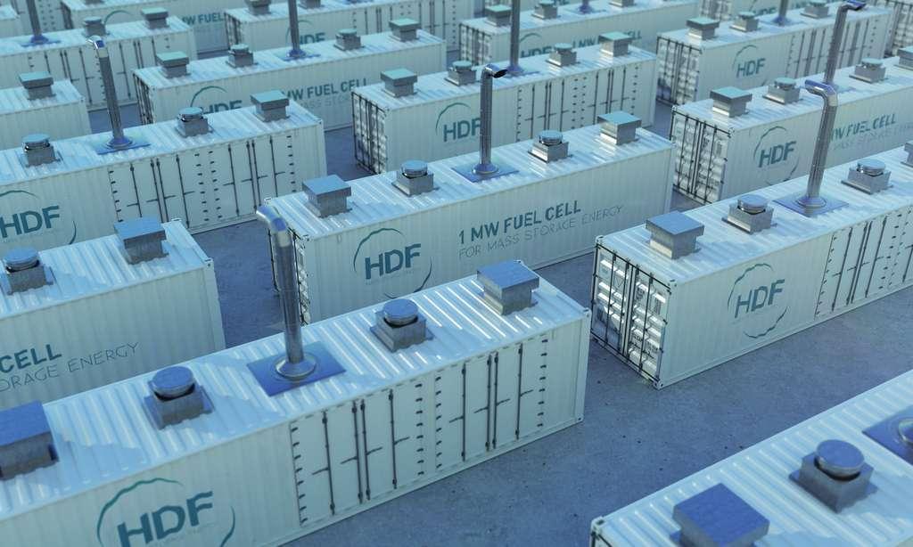 L'électricité solaire est stockée sous forme de gaz comprimé dans des bouteilles empilées à l'intérieur de conteneurs de 12 mètres de long. © HDF Energy