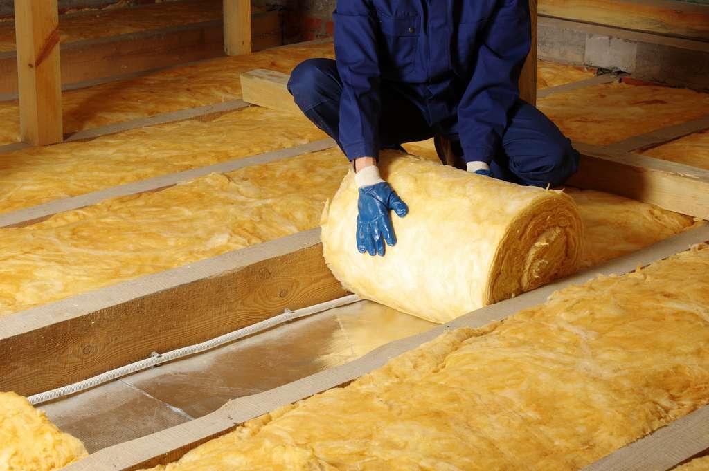 Technique d'isolation des combles d'une habitation. ©Alekss, Adobe Stock