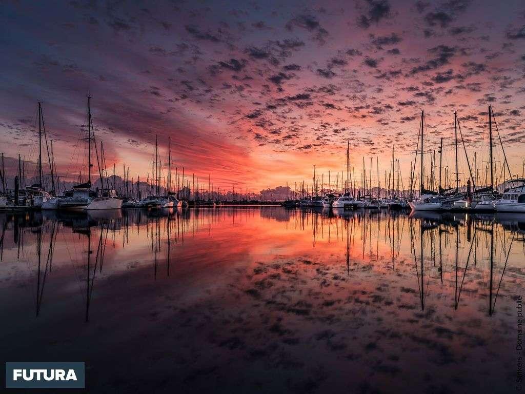 Saint-Raphaël bateaux au port lors du coucher de soleil