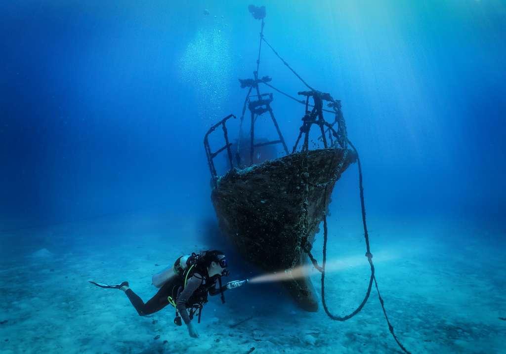 Comme toutes les épaves — ici, dans l'océan Indien —, celle de l'Alcione réveille notre âme d'enfant explorateur. © moofushi, Adobe Stock