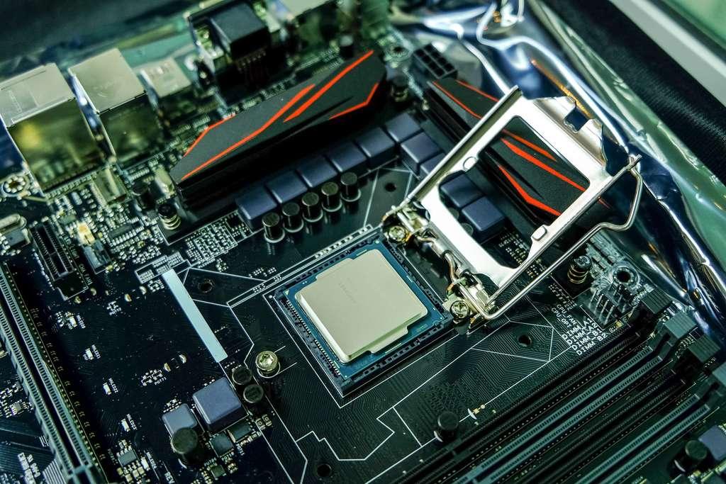 Une faille impossible à corriger affecterait la plupart des processeurs Intel, sortis depuis cinq ans. © chiradech, Adobe Stock