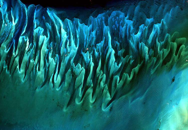 Ocean Sand, Bahamas. © Serge Andrefouet, Nasa