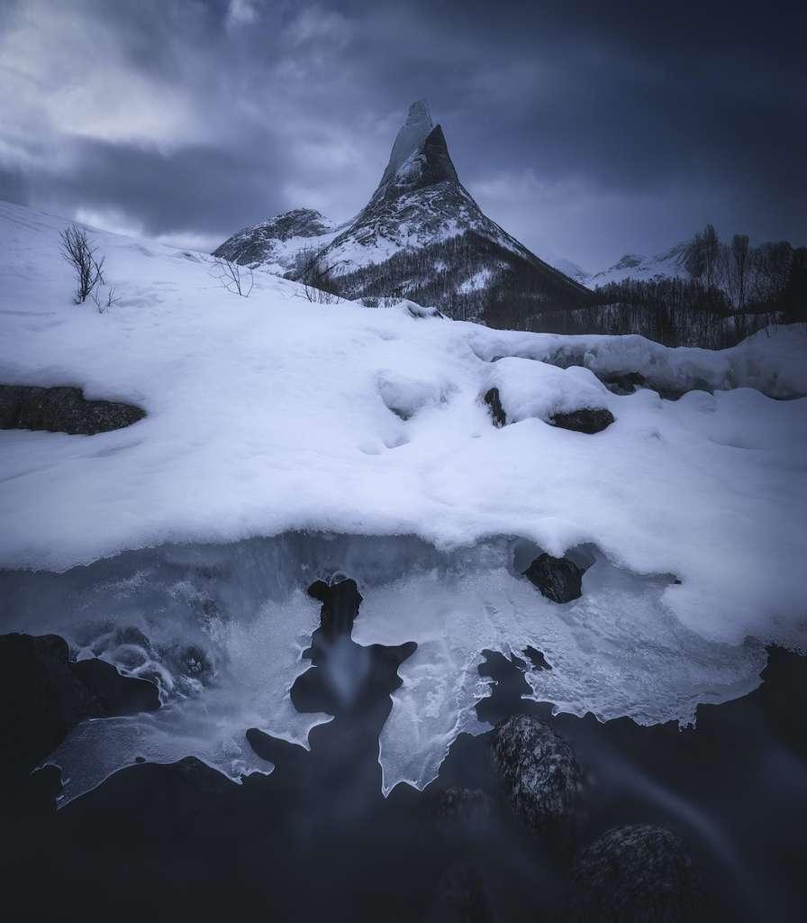 Le Stetind, désigné montagne nationale de la Norvège