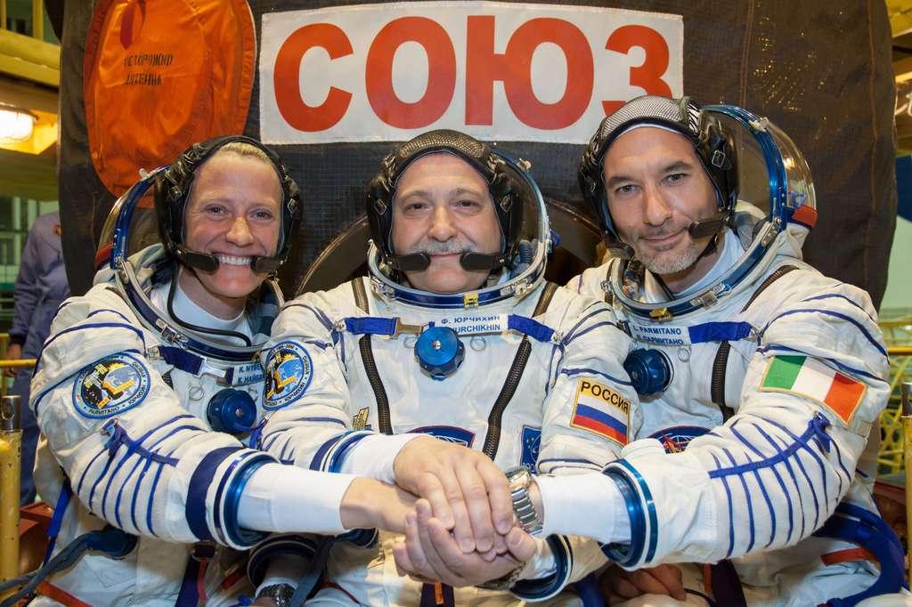 Les trois astronautes qui s'élanceront ce soir à destination de l'ISS. De gauche à droite, Karen Nyberg (Nasa), Fyodor Yurchikhin (Roscosmos) et Luca Parmitano (Esa). © Nasa