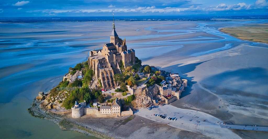 Et si vous adoptiez un point de vue différent sur le Mont-Saint-Michel. © Max Topchii, Adobe Stock