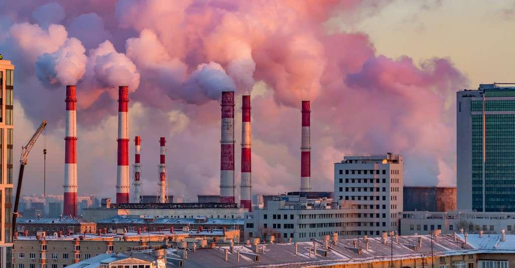 L'augmentation de l'effet de serre et la destruction de la couche d'ozone sont tous les deux des phénomènes résultant d'émissions de gaz nocifs par les hommes. © lapandr, Adobe Stock