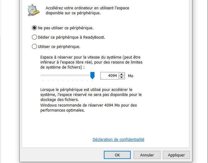 """Dans l'onglet ReadyBoost, la case """"ne pas utiliser ce périphérique"""" est cochée par défaut. ©Microsoft"""