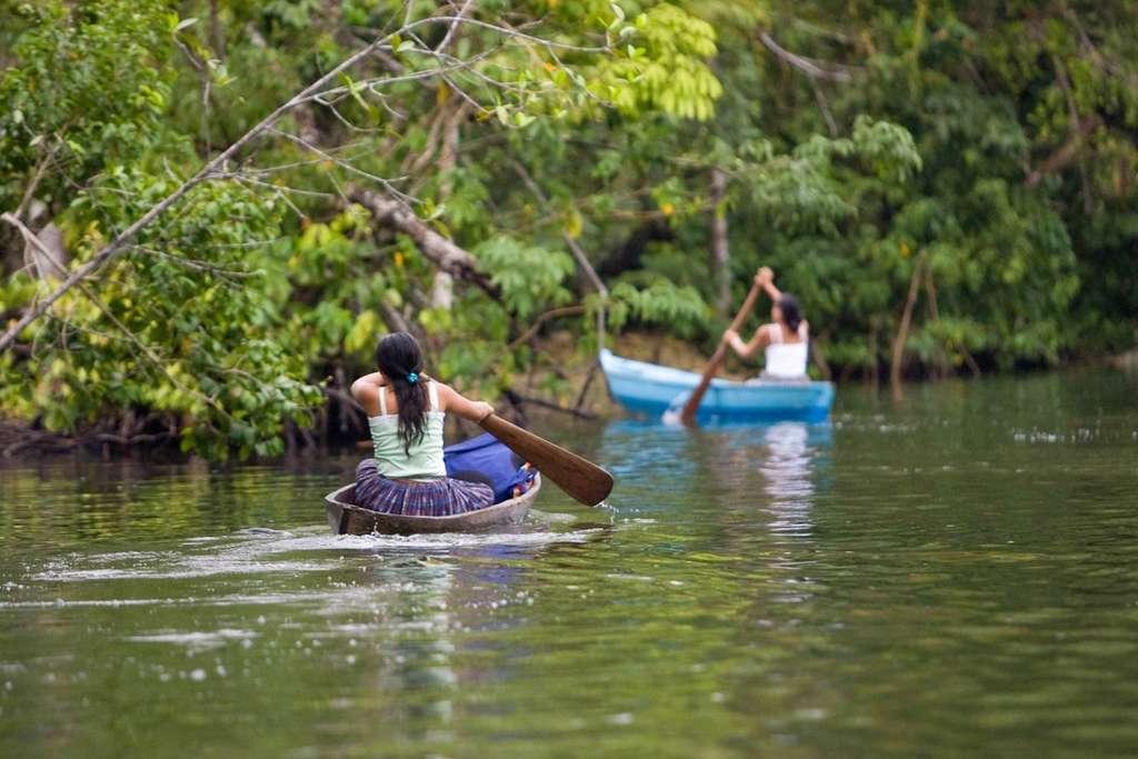 Le Programme autochtone mondial pour la gouvernance des terres, des territoires, des eaux, des mers côtières et des ressources naturelles autochtones a été construit avec l'appui des peuples autochtones, membres de l'UICN. © Ak' Tenamit, UICN