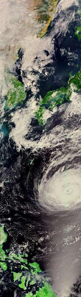 Le typhon Kirogi, près du Japon