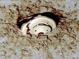 La capsule de la sonde Genesis après son crash (septembre 2004)