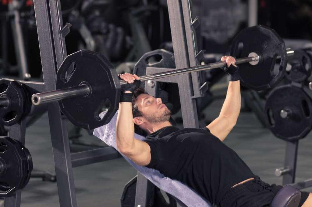 L'entraînement de résistance vise à améliorer la force physique et la musculature. © R&R, Fotolia