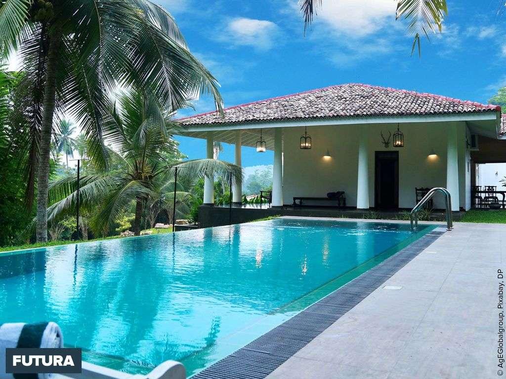 Détente au bord de la piscine au Sri Lanka
