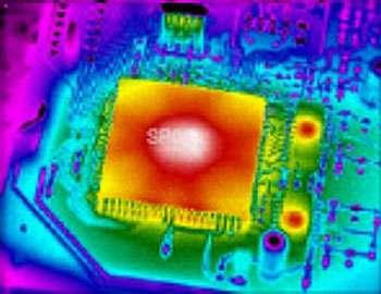 Emission thermique d'un processeur rapide conçu par Sierra Pacific Corp. Evitez de le toucher lorsque l'ordinateur fonctionne car sa température peut dépasser 80°C ! © SPC - Tous droits de reproduction interdit