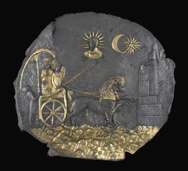 Plaque de Cybèle dans un sanctuaire à Aï Khanoum