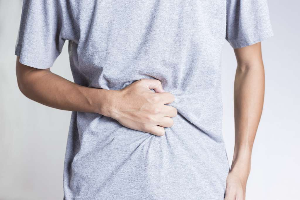 La Covid-19 peut se révéler sous forme de douleurs abdominales, diarrhée et vomissement, sans troubles respiratoires ni fièvre. © Chajamp, Shutterstock