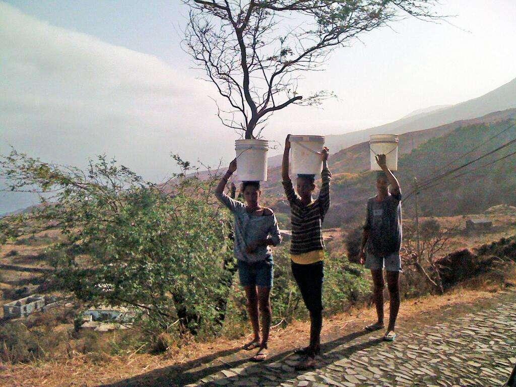 L'archipel du Cap-Vert devrait recevoir la première installation de dessalement imaginée dans le cadre du projet Wind4Water. En 2012, 89 % de la population avait accès à des eaux traitées. © Water4H2O, Twitter