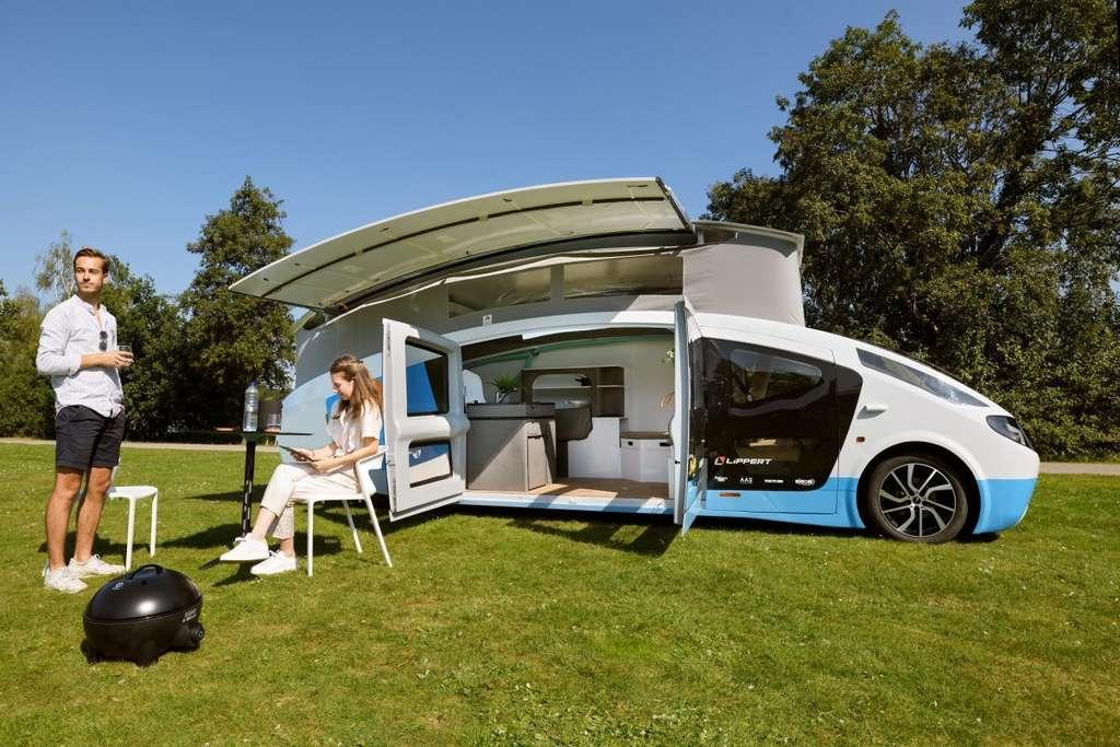 L'équipe du Solar Team Eindhoven compte organiser un périple de 3 000 km avec son camping-car électrique et solaire. © Bart van Overbeeke