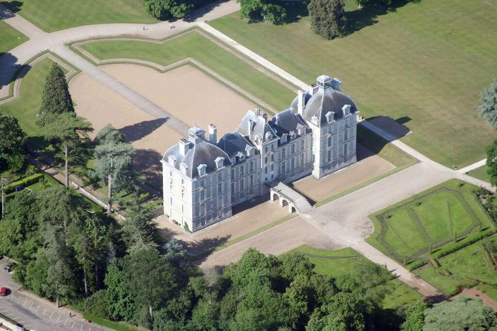 Le château de Moulinsart, des Aventures de Tintin, inspiré du château de Cheverny