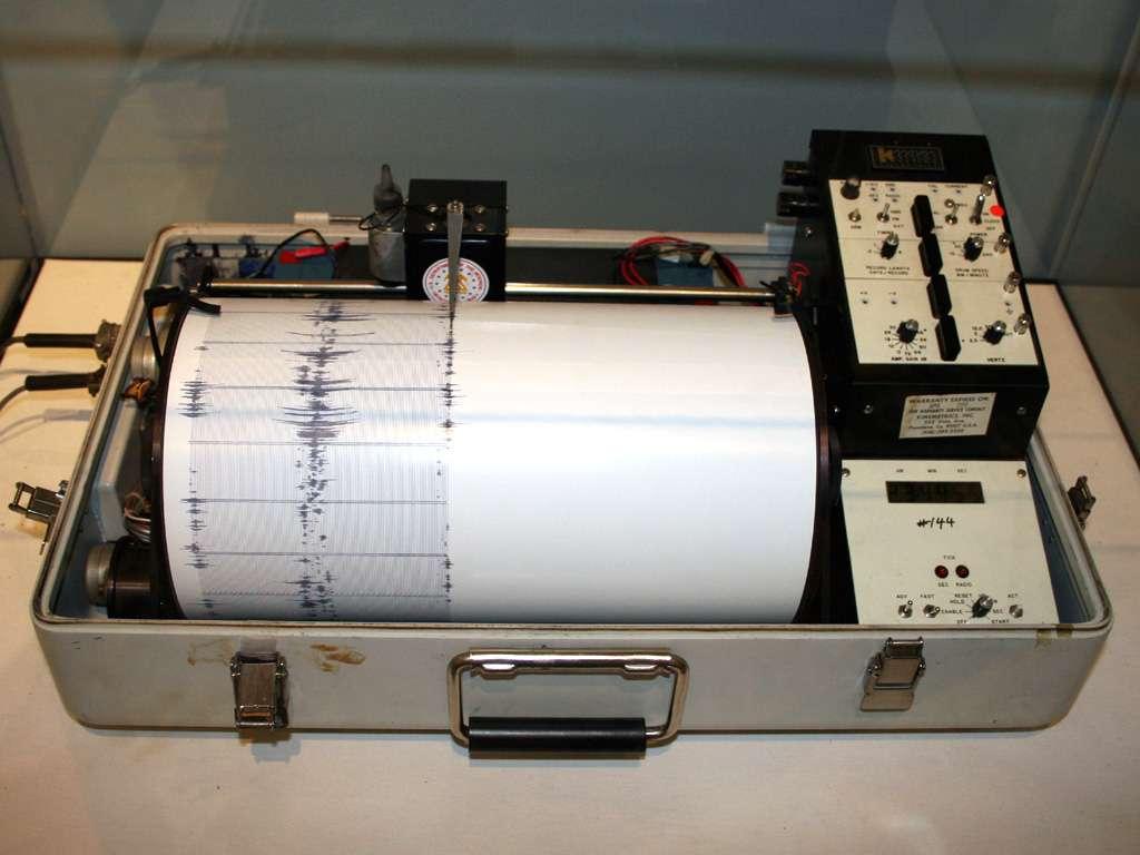 Exemple de sismomètre. © Yamaguchi先生, Wikimedia commons