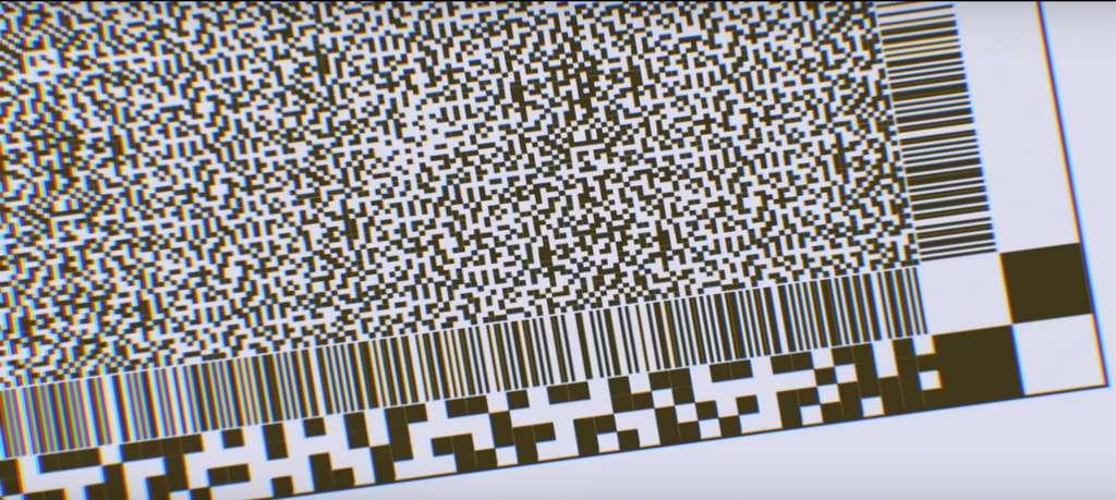 Le code est représenté analogiquement sur des films pouvant durer au moins 1.000 ans. © github