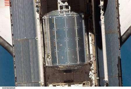 Le laboratoire européen Columbus dans la soute de la navette Atlantis le 11 février 2008. © Nasa