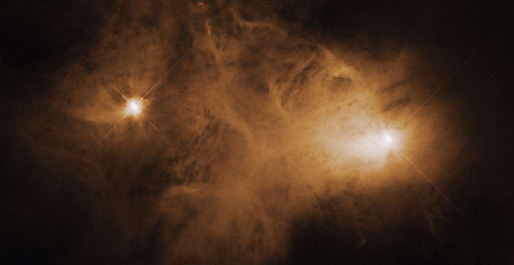 Caldwell 68 est une nébuleuse par réflexion dans la constellation de la Couronne australe située à seulement 400 années-lumière de la Terre. © Nasa, ESA, K. Stapelfeldt (Jet Propulsion Laboratory) ; Processing: Gladys Kober (Nasa, Catholic University of America)