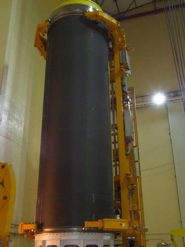 Le P120, le plus gros moteur à propergol solide monolithique du monde. © Cnes, ESA, service Optique du CSG
